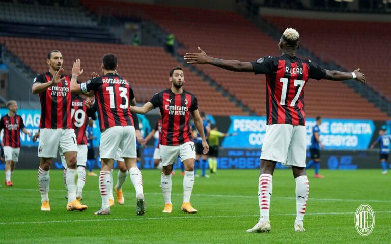 Ibrahimovic gjunjëzon Interin dhe vesh qytetin e Milanos 'Kuq e Zi'