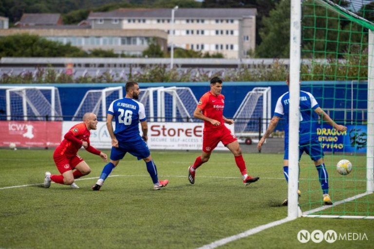 """Prishtina humb 4-2 në ndeshjen kthyese ndaj Connah's Quay, megjithatë kualifikohet në raundin e tretë falë fitores bindëse në """"Fadil Vokrri"""""""